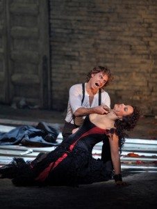 Carmen-Roberto-Alagna-and-Elina-Garanca-photo-by-Ken-Howard-4
