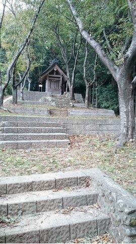 人っ子一人いない出雲井神社
