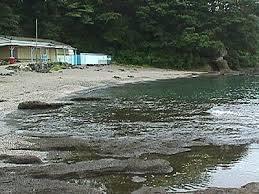 人のいない浜辺