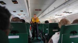 ローマ発ナポリ便の飛行機