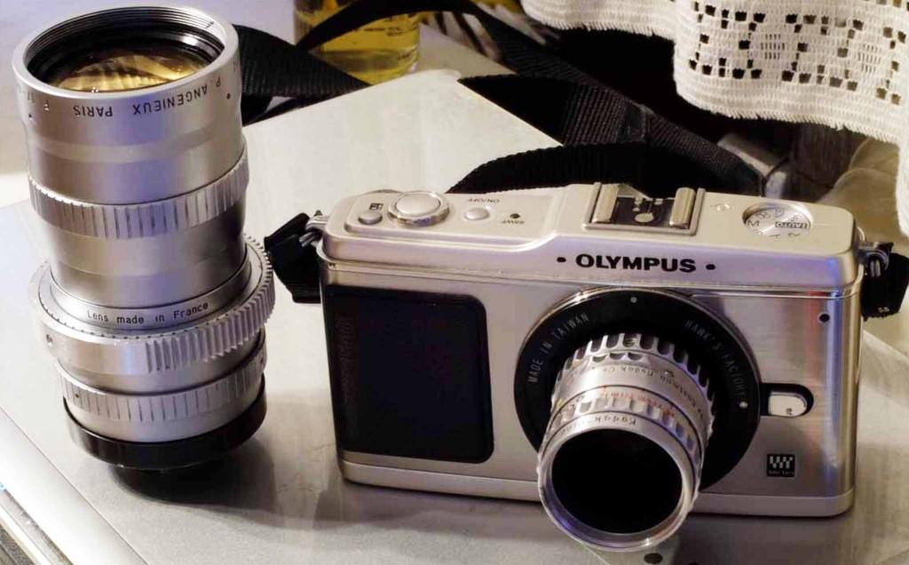 OLYMPUS E-P1に、オールドレンズKodak25mm、アンジェニューを装着してみました。